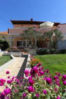 Apartment and Rooms Toka - Comfort Dreibettzimmer mit Dusche - Zimmer Zadar