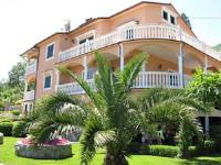 Bed and Breakfast Villa Iris - Dreibettzimmer mit Balkon - Kraj