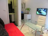 Modern Croatian City Apartment - Obična soba s bračnim krevetom - Sobe Ravni
