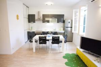 Apartment Seka - Two-Bedroom Apartment with Terrace - apartments split