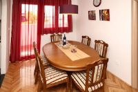 Apartment Edvard - Two-Bedroom Apartment with Balcony - apartments split