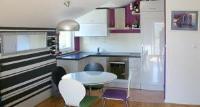Apartment Luna - Apartment mit 2 Schlafzimmern mit Balkon - Haus Kastel Stari