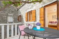 Villa Stone Flower Guest House - Dvokrevetna soba s bračnim krevetom s balkonom - Split