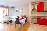 Apartment Vila Velebita - One-Bedroom Apartment with Balcony and Sea View - apartments split