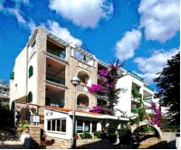 Apartments Ratac Makarska - Comfort Studio with Balcony - apartments makarska near sea
