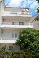 Apartments Nika - One-Bedroom Apartment with Mountain View - apartments makarska near sea