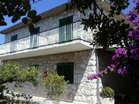 Apartments and Rooms Batoš - Chambre Triple avec Balcon et Vue Partielle sur la Mer - Zavala