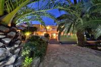 Guesthouse Villa Sunce - Trokrevetna soba s terasom i pogledom na vrt - Apartmani Soline
