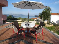 Two-Bedroom Apartment in Slatine III - Apartman s 2 spavaće sobe - Slatine