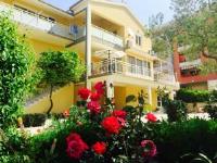 Rooms & Apartments Tony - Dvokrevetna soba s bračnim krevetom s pogledom na planine - Sobe Makarska