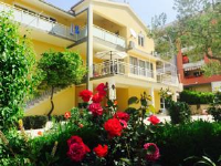 Rooms & Apartments Tony - Double Room with Mountain View - apartments makarska near sea