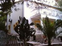 Apartments Elena & Damir - Apartment mit 2 Schlafzimmern mit Blick auf den Garten - Vukovo-Straße 12 - Ferienwohnung Rukavac