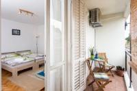 Apartment Pretty Peyton - Apartman s 1 spavaćom sobom s balkonom - Sobe Novigrad