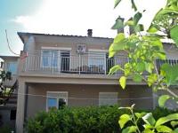 Apartment Jelenović D. - Apartment mit 2 Schlafzimmern, einem Balkon und Meerblick - Ferienwohnung Silo