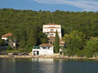 Guesthouse Delfin - Dreibettzimmer - Haus Omisalj