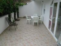 Apartments Nina - Apartment mit Terrasse - Ferienwohnung Sutivan