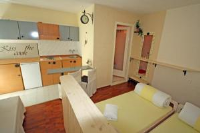Apartments Ivona - Apartment with Shower - Houses Vrbnik