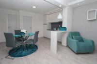 Modern Apartments Sulenta - Comfort One-Bedroom Apartment - apartments makarska near sea