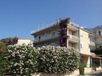 Bed & Breakfast Batosic Makarska - Triple Room with Garden View - Rooms Makarska