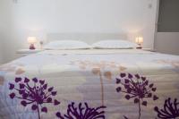 Apartments Petrušić - Dreibettzimmer mit eigenem Bad - Zimmer Makarska