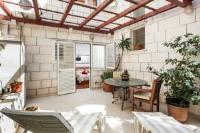 Villa Music - Standardna trokrevetna soba s balkonom - Sobe Stari Grad