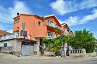 Apartments Svetin 552 - Appartement avec Terrasse - Appartements Grebastica