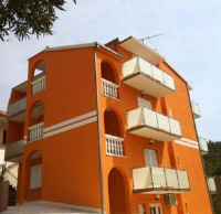 Apartments Orange - Apartment with Balcony - Podgora