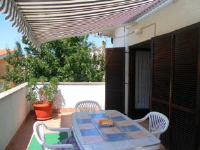 Apartment Luburic - Apartment mit 2 Schlafzimmern, einem Balkon und Meerblick - Pinezici
