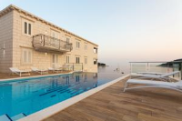 Boutique Pine Tree Apartments - Comfort One Bedroom Apartment with Terrace and Sea View - Saplunara