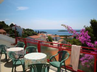 Guesthouse Curin - Three-Bedroom Apartment with Sea View (10 Adults) - Apartments Hvar