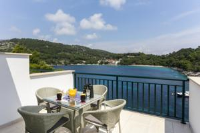 Apartments Posta - Comfort Studio with Balcony and Sea View - Saplunara