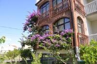 Villa Flora - Apartment mit 3 Schlafzimmern - Kastel Gomilica
