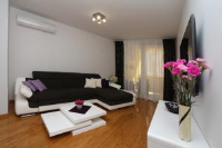 Stylish Apartment - Two-Bedroom Apartment - apartments makarska near sea