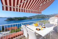 Sunset Apartment - Two-Bedroom Apartment with Terrace and Sea View - Apartments Zaton