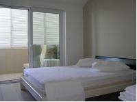 Room Ana's - Chambre Double avec Balcon - Vue sur Mer - Velika Gorica