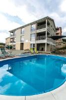 Bayview Apartments - Apartment mit 3 Schlafzimmern, einem Balkon und Gartenblick - Cizici