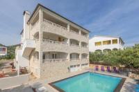 Apartment Julies - Appartement 2 Chambres Confort avec Balcon et Vue sur Mer - Appartements Hvar