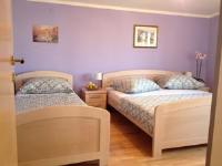 Apartment Ravlic - Apartment with Terrace - apartments makarska near sea