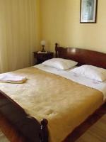 Guest House Stone house Gregov - Dvokrevetna soba s bračnim krevetom i balkonom s pogledom na more - Sobe Lumbarda