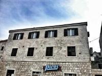 Apartment Pivcevic - Three-Bedroom Apartment - Pucisca