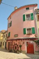 Holiday Home and Apartment Hitri - Three-Bedroom Apartment - Porec