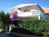 Apartments Baras - Apartment mit 1 Schlafzimmer - Ferienwohnung Nin
