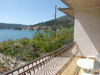 Apartment Milly - Four-Bedroom Apartment with Terrace - apartments in croatia