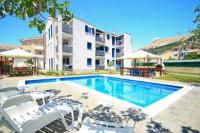 Adorami Apartments - Apartment mit Poolblick - Baska