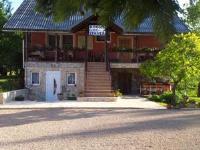 Guest House Family Varda - Trokrevetna soba s terasom - Sobe Jezerce