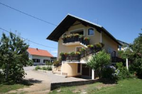 Apartment Luketić - Apartment mit Terrasse - Slunj