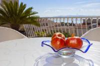 Apartments Villa Jarak - Studio with Balcony and Sea View - apartments makarska near sea