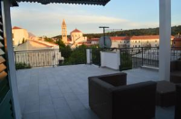 Apartment Old Town - Three-Bedroom Apartment with Terrace - apartments makarska near sea
