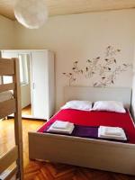 Kitty Kety Guest House - Familienzimmer mit Balkon - Zimmer Novalja