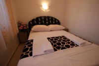 Guest House Hrustic - Mala dvokrevetna soba s bračnim krevetom - Sobe Porec